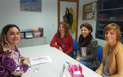 La asociación Bandera Rosa se presenta a la concejal de Sanidad