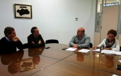 Valenzuela traslada a responsables de McDonald´s las gestiones realizadas sobre la licencia de las instalaciones