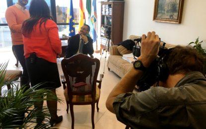 La televisión norteamericana PBS muestra interés por el futuro incierto de La Línea y Gibraltar tras el Brexit