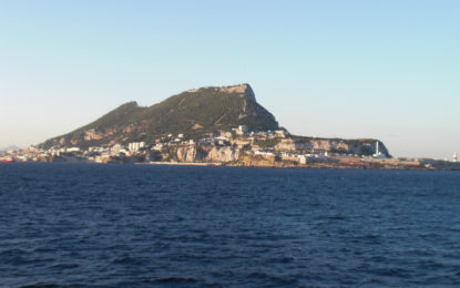 La Policía Real de Gibraltar colabora con las autoridades españolas en el rescate de ciudadanos marroquíes en el Estrecho de Gibraltar