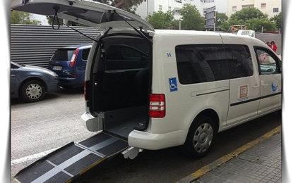 La adjudicación de tres nuevas licencias eleva a 90 el número de taxis existentes en la ciudad, de los que cinco son adaptados