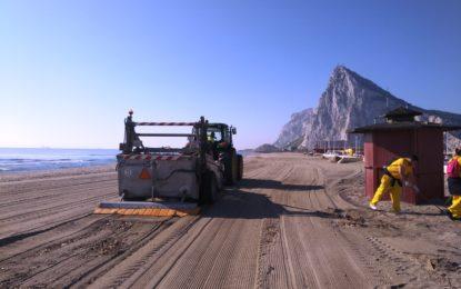 Las playas de Poniente, Santa Bárbara y Sobrevela, distinguidas con el galardón Bandera Ecoplayas 2021