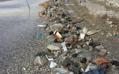 Villar pide información a Franco sobre los vertidos de escombros y la retirada de arena de la playa de La Atunara