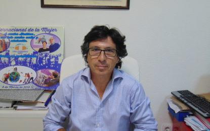 """Juan Chacón considera """"lógica y coherente"""" la renuncia de Tornay a su cargo de portavoz municipal"""