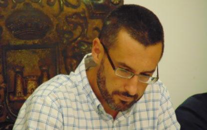 La Asociación Vecinal Santiago Conchal-Castillo lamenta «las reiteradas faltas de compromiso de Juan Franco»