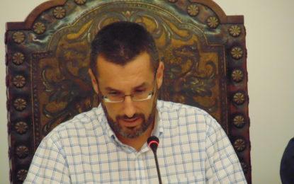 El delegado de Uplba en Cádiz, Francisco Rama, al alcalde Juan Franco: «Ha conseguido usted solito quemar a la plantilla de la Policía Local»
