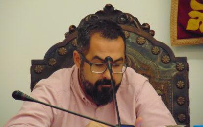 """Los sindicatos afirman que Gabriel Cobos """"una vez mas hace gala de su talante prepotente y dictatorial"""""""