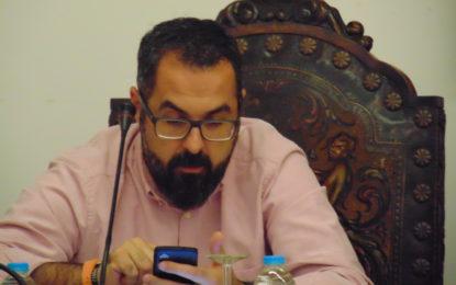 Tras cumplir sus objetivos, quitar los 408 euros y dejar sin seguro a los trabajadores municipales, se marcha satisfecho Gabriel Cobos