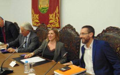 Irene García informa al Ayuntamiento y la Mesa de Trabajo por La Línea sobre la nueva Residencia de Mayores