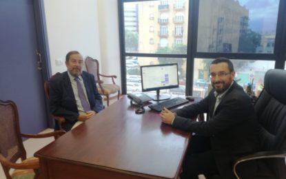 El alcalde recibe al nuevo delegado del ministerio de Exteriores en el Campo de Gibraltar