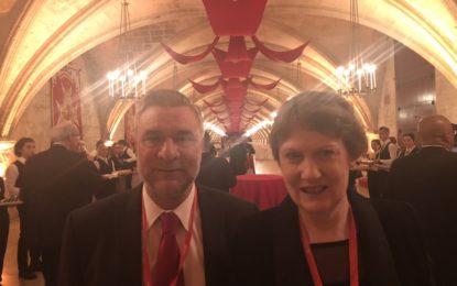 El ministro Steven Linares asiste al Foro de Gobiernos locales de la Commonwealth en Malta