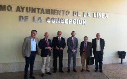 """Los Defensores del Pueblo Nacional y Andaluz resaltan la """"unidad de acción política"""" en defensa de los intereses de la ciudad"""