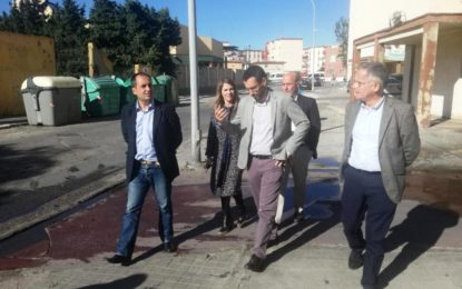 El alcalde traslada al PP la necesidad de adecuar actuaciones conjuntas entre las administraciones para atender los problemas de La Línea