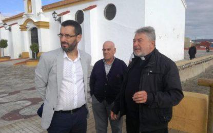El alcalde visita las instalaciones de la Iglesia de Nuestra Señora del Carmen