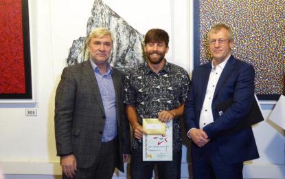 Jaime Velázquez Sánchez obtiene el primer premio en la Exposición Internacional de Arte de este año en Gibraltar
