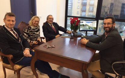 El alcalde recibe al nuevo rector de la UIMP Emilio Lora-Tamayo