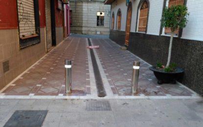 El Ayuntamiento instala en la zona centro los elementos definitivos de seguridad para prevenir atropellos masivos