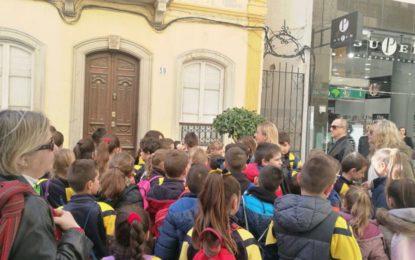 Mañana, punto de información turística en la Plaza de la Iglesia con motivo del Día Mundial del Turismo