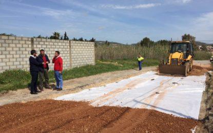 Franco supervisa las obras de remodelación en el camino de Estepona