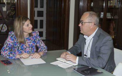Irene García recibe al secretario general de la Federación de Cofradías de Pescadores