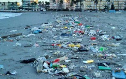 Verdemar Ecologistas en Acción señala algunos de los graves problemas ambientales en la Playa de Poniente de La Línea y Campamento.