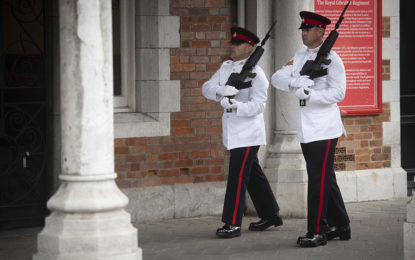 Cambio Ceremonial de Guardia en Gibraltar por la Boda Real