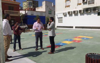 Inaugurada la nueva plaza San Nicolás, en Punto Ribot, convertida en zona de juegos infantiles