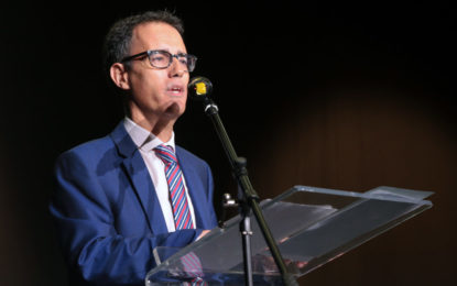 El viceprimer ministro de Gibraltar, Joseph Garcia, abre las charlas de BrightMed