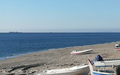 El Ayuntamiento ultima la colocación del balizamiento en todas las playas del litoral linense