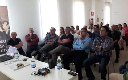 """Éxito de público en la conferencia sobre naturaleza ofrecida por el colectivo Brezo con el estreno mundial del documental """"Genet"""""""