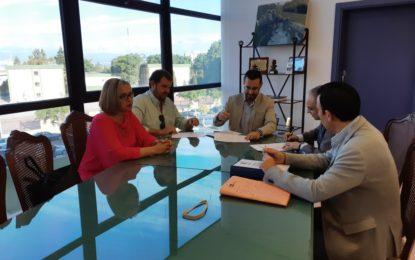 Suscrito el contrato con Iluminaciones Ximénez para la Feria 2018