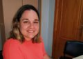 Rosa Pérez firma un convenio con la Fundación Cepsa para la mejora de la sede de la Asociación de Familiares de Enfermos de Alzheimer