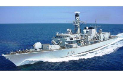 El buque británico HMS Argyll realiza una parada técnica en Gibraltar antes de zarpar hacia Asia