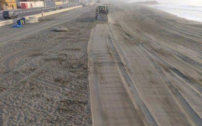 El Ayuntamiento adjudica a la empresa Recolte la limpieza mecanizada de playas