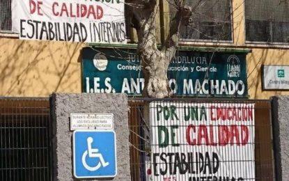 Los profesores interinos del Instituto Antonio Machado ejercen hoy de nuevo su derecho a la huelga reivindicando estabilidad