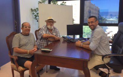 El alcalde felicita a Emilio Isla y Clemencio Franco por el premio Margarita