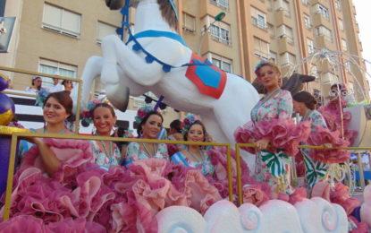 La Cabalgata de la Feria de La Línea recorre las principales calles (Galería de fotos)