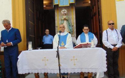 Emotiva Misa Rociera en la Parroquia de la Inmaculada (Galería de fotos)