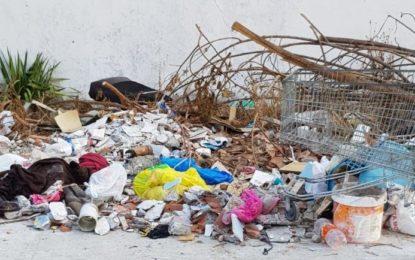 Villar: «Sigue la degradación sin freno de las barriadas, en lo que ha sido el timo de la estampita versión papeleta electoral de La Linea 100×100»
