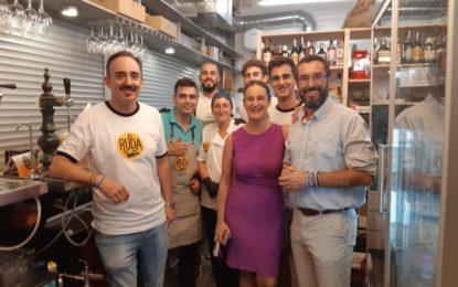 El alcalde acude a la inauguración de un nuevo establecimiento en el Mercado de la Concepción