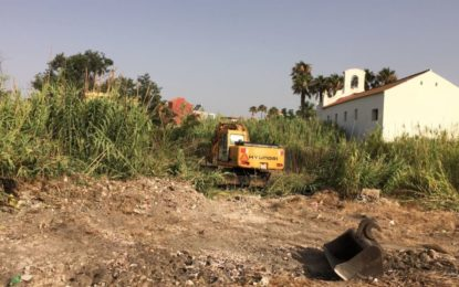 Iniciados trabajos de limpieza y desbroce en una finca de la calle Fernando Díaz de Mendoza