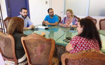 El IES Mar de Poniente y el Ayuntamiento apuestan por la ampliación de la oferta de Formación Profesional Dual en la rama de comercio