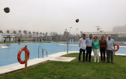 El alcalde visita la piscina de verano y el Complejo Deportivo Municipal Asunsull