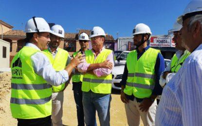 El alcalde ha visitado las instalaciones del nuevo depósito de vehículos de larga estancia