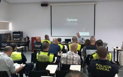 Policías Locales y técnicos municipales conocen las nuevas disposiciones sobre espectáculos, establecimientos públicos y actividades recreativas