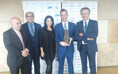 Jaime Chacón participa en Sevilla en la III edición de los Premios Coraje de los Autónomos Andaluces, donde ha sido premiado el doctor Antonio Sánchez Espinel