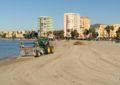 La delegación de Playas retira del litoral los restos depositados por la lluvia