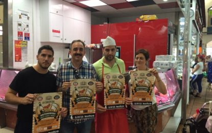 La concejal de Mercados apoya la celebración de Oktoberfest en el Mercado de la Concepción