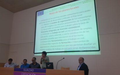 Técnicos de Servicios  Sociales asisten en Sevilla a una jornada de trabajo para la ultimación del Plan Local  de Intervención en Zonas Desfavorecidas