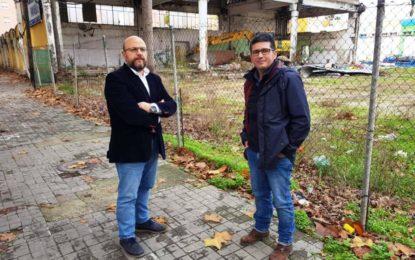 Iniciados los trabajos de derribo de las edificaciones existentes en el solar del antiguo Mercado de Mayoristas
